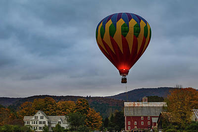Photograph - Hot Air Balloon At Woodstock Vermont by Jeff Folger