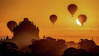 Photograph - Hot Air Balloons At Sunrise by Chris Lord