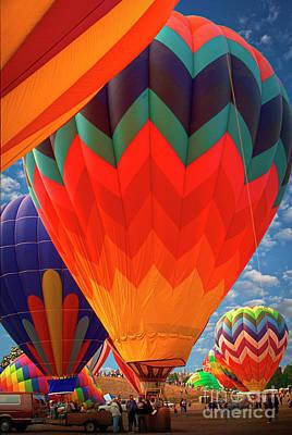 Studio Grafika Zodiac - Hot Air Balloons Vertical by David Zanzinger