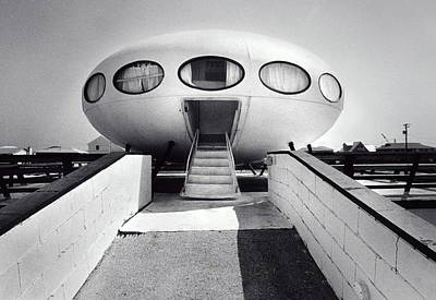 Photograph - House Modeled After Flying Saucer by Jerry Gay