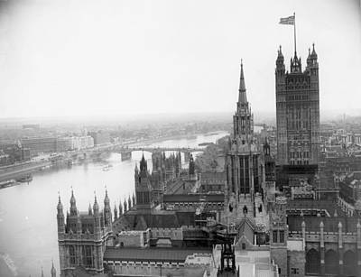 Photograph - Houses Of Parliament by Sayers