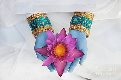 Photograph - Indian Flower Offering by Tim Gainey