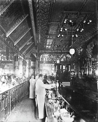 Photograph - Inside Hannah And Hoggs Saloon by Chicago History Museum