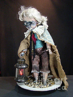 Sculpture - Into The Dark by Cindy DeGraw