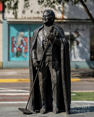 Photograph - James Brown Statue - Augusta Ga 2 by Sanjeev Singhal