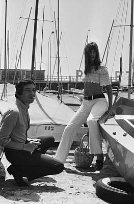 Jane Birkin And Serge Gainsbourg In Art Print by Reporters Associes