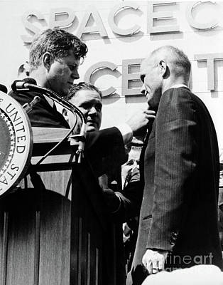 Photograph - Jfk And John Glenn by Granger