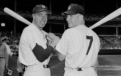 Photograph - Joe Dimaggio And Mickey Mantle by New York Daily News Archive