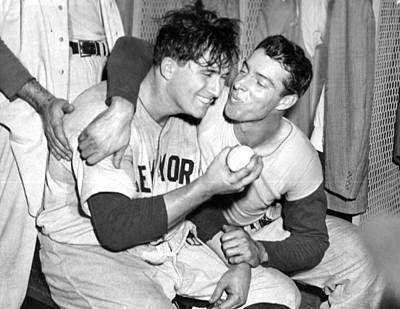 Photograph - Joe Dimaggio Rewards Winning Pitcher by New York Daily News Archive