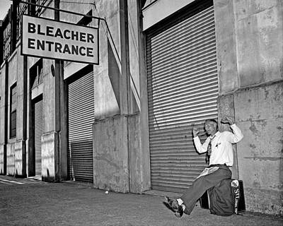 The Bronx Photograph - Joe Prine Makes Sure He Gets Into The by New York Daily News Archive