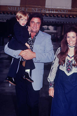 Photograph - Johnny Cash And Family by Art Zelin