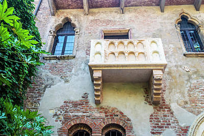 Curated Travel Chargers - Juliets Balcony Verona by Steve Purnell and Andrew Cooper
