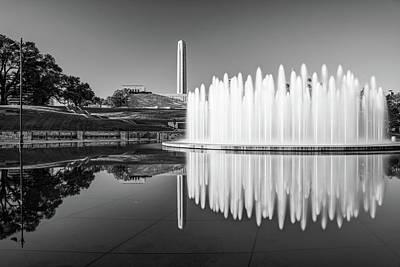 Photograph - Kansas City Bloch Fountain And War Memorial Reflections - Monochrome by Gregory Ballos