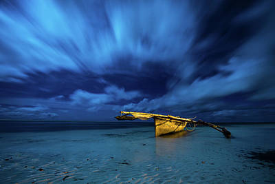 Oar Photograph - Kazinaswla Fishing Boat Zanzibar by Alexander Matt Photography