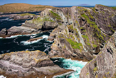 Portmagee Wall Art - Photograph - Kerry Cliffs Nine by Bob Phillips