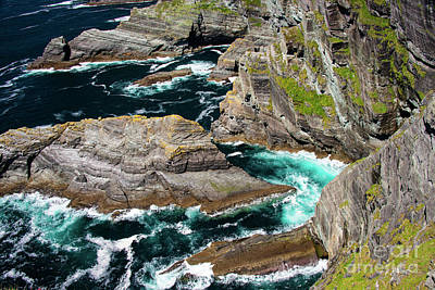 Portmagee Wall Art - Photograph - Kerry Cliffs Six by Bob Phillips