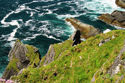 Portmagee Wall Art - Photograph - Kerry Cliffs Three by Bob Phillips