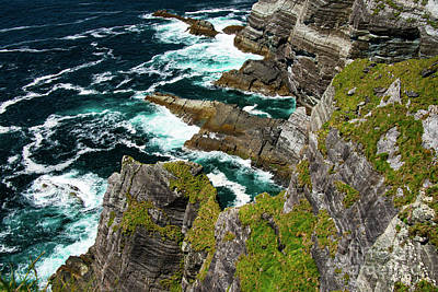 Portmagee Wall Art - Photograph - Kerry Cliffs Two by Bob Phillips
