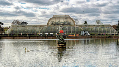 Photograph - Kew Gardens - Classic View by Leigh Kemp