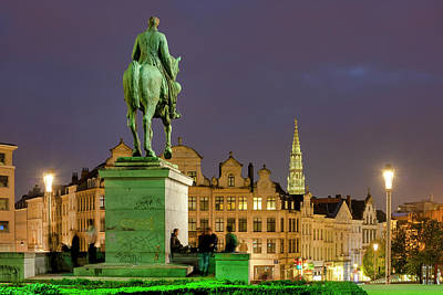 Photograph - King Albert I In Mont Des Arts by Fabrizio Troiani