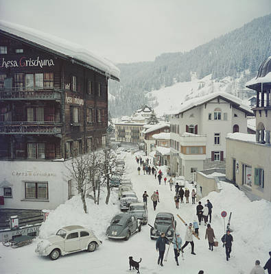 Walking Photograph - Klosters by Slim Aarons