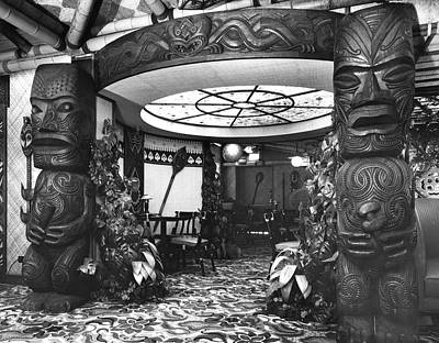 Photograph - Kona Kai Lobby by Jacob Stelman