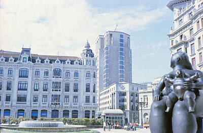 Photograph - La Gorda De Botero In Oviedo by Nacho Vega