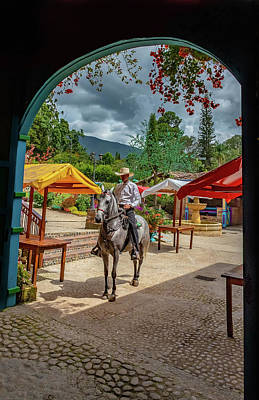 Photograph - La Mayoria by Francisco Gomez