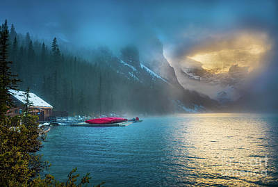 Photograph - Lake Louise Canoes In The Morning by Inge Johnsson