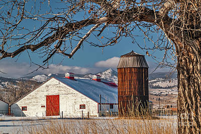 Photograph - Large White Barn With Silo by Sue Smith
