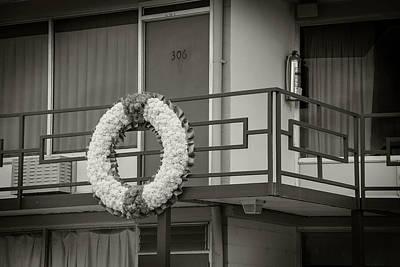 Photograph - Larraine Motel by Bud Simpson