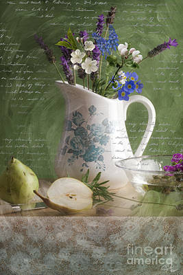 Photograph - Lavender And Pears by Mo T