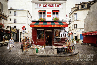 Photograph - Le Consulat Of Montmartre by Craig J Satterlee