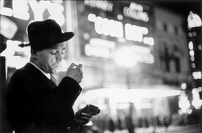 Photograph - Lighting Up by Thurston Hopkins