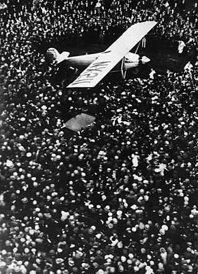 Lindbergh Arrives In Croydon Art Print by Fpg