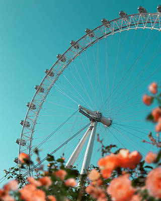 Photograph - London Eye by Gabor Estefan
