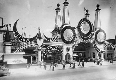 Luna Park Art Print by Hulton Archive