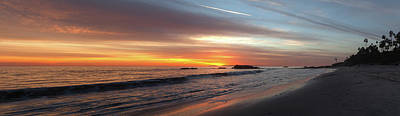 Photograph - Main Beach Panoramic Sunset by Cliff Wassmann