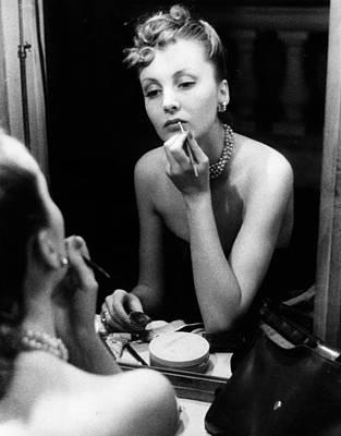 Photograph - Making Up by Kurt Hutton