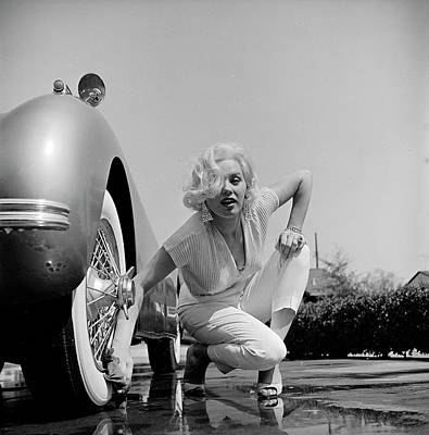 Photograph - Mamie Van Doren Washing The Whitewall by Loomis Dean