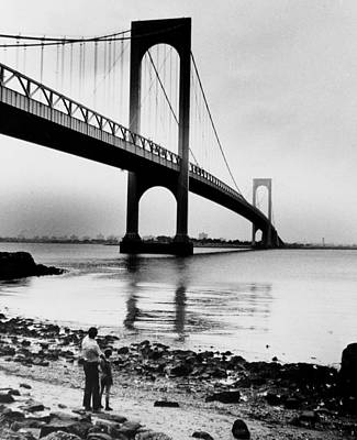 The Bronx Photograph - Man And Boy Looking Up At The Bronx by New York Daily News Archive