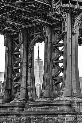 Photograph - Manhattan Bridge Frames The Wtc  by Susan Candelario