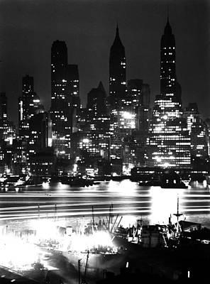 Photograph - Manhattan Skyline by Andreas Feininger