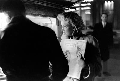Photograph - Marilyn Gets The Paper by Michael Ochs Archives