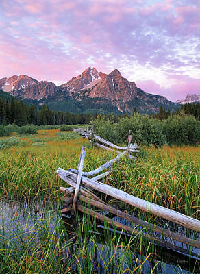 Photograph - Mcgown Peak by Leland D Howard