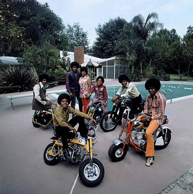 Photograph - Members Of Pop Group Jackson Five by John Olson