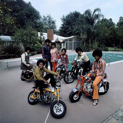 Photograph - Members Of Pop Group Jackson Five by John Olson