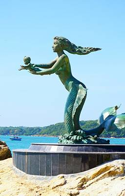 Digital Art - Mermaid And Child Statue by Ian Gledhill