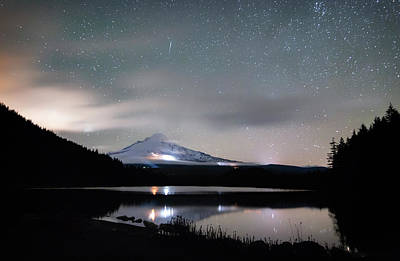 Photograph - Meteor At Trillium Lake by Cat Connor