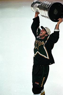 Stanley Cup Playoffs Photograph - Mike Modano 9 by Ezra Shaw
